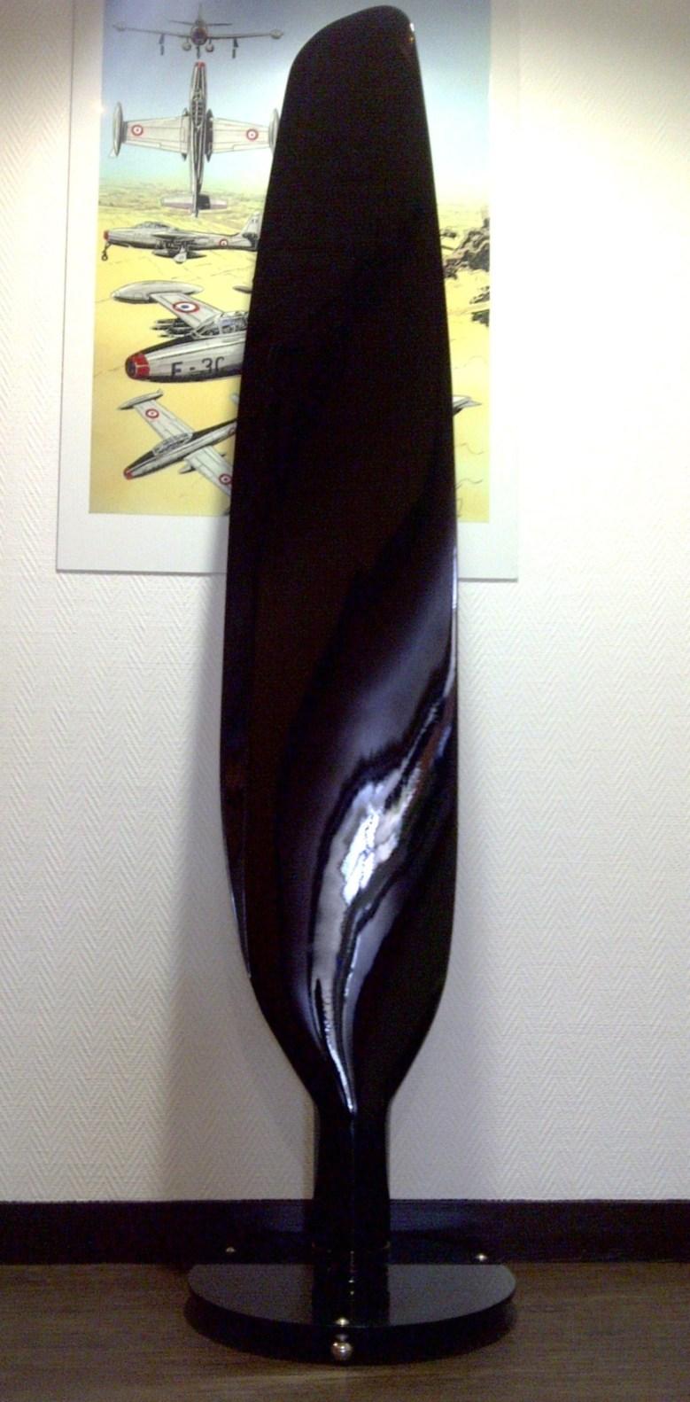 Pale de Skyraider laquée noire