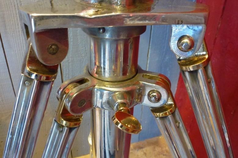 Projecteur vendu - Aluminium poli miroir ...