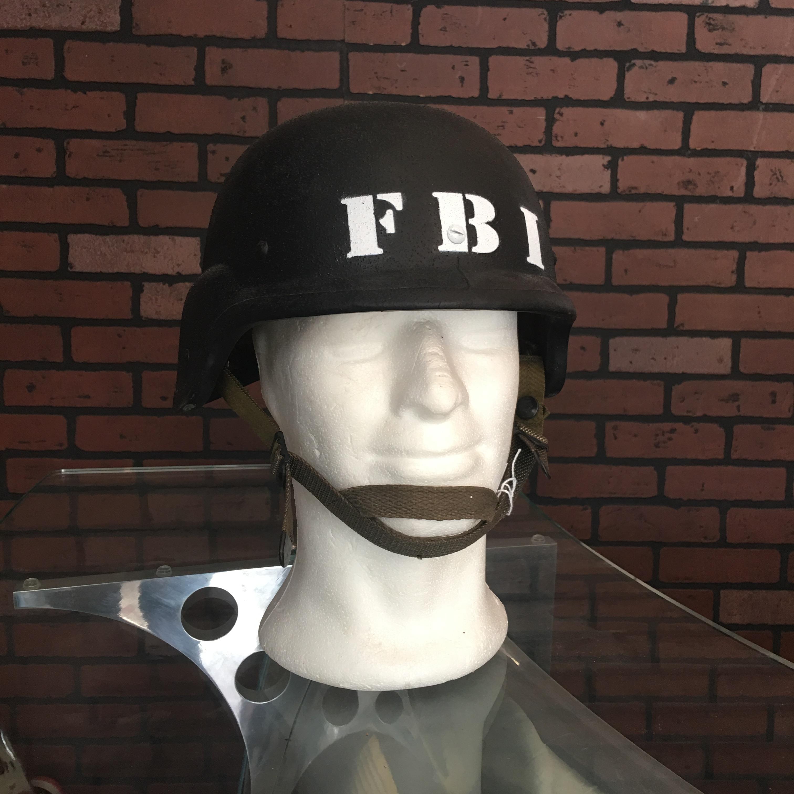 Casques en kevlar des groupes d'intervention du FBI de New-York et du SWAT de Los Angeles
