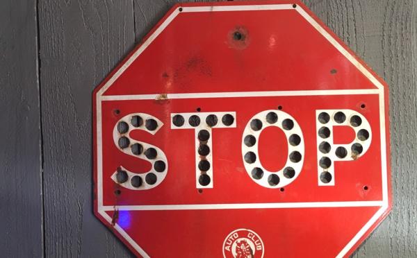Panneau STOP US en tôle émaillée