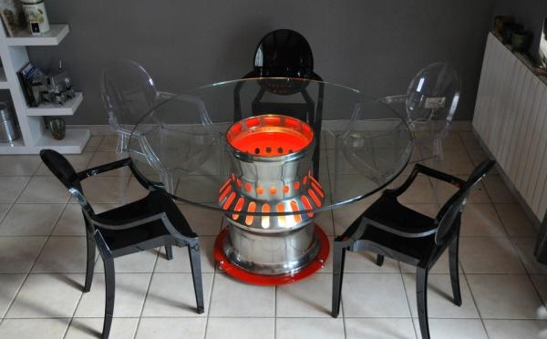 """Table de salle à manger ou de conférence """"chambre de combustion"""" d'avion Dassault Mirage III"""